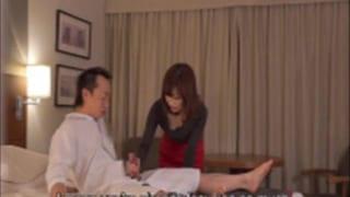 マッサージサービスで美人に手コキしてもらったエロ動画