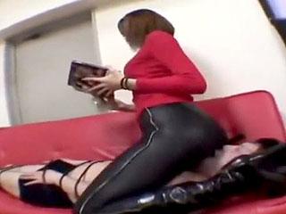 デカ尻女王様がM男を縛り顔面騎乗手コキ調教するエロ動画
