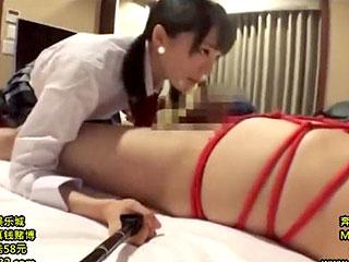 美少女鈴村あいりが自撮りしながらM男調教するエロ動画