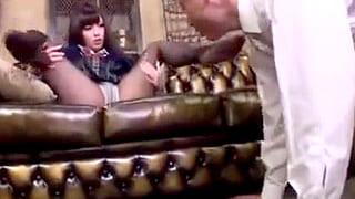パンスト穿いた女子高生がおじさんにサービスするエロ動画