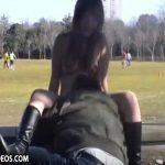 サッカーしているグラウンドで裸でおしっこするマニア動画