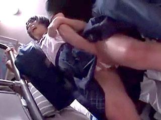 バス車内で美少女JK阿部乃みくを痴漢し性奴隷調教するエロ動画