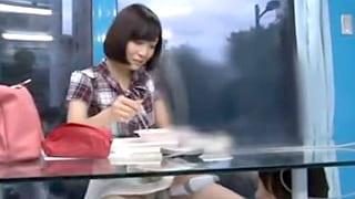 女子アナの内定決まった素人の女子大生を騙しエッチするエロ動画