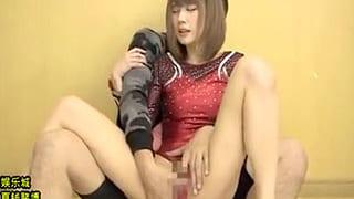 体操部でレオタード着た美少女がコーチと濃密SEXするエロ動画