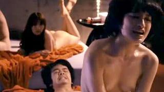 芸能人が乳首びんびん汗だくで騎乗位でSEXする濡れ場シーンの動画