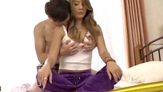 ヤンキーの巻き髪ギャルがデカチンで貫かれ大人しくなるセックス動画