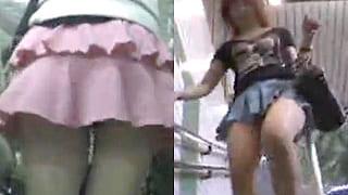 ミニスカが捲れて丸見えのパンチラを駅構内で盗撮したエロ動画