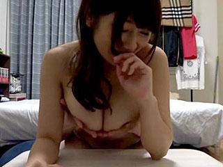 ナンパした巨乳素人と部屋でセックスする隠し撮りエロ動画
