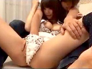 思春期男子に家庭教師がご褒美セックスしてあげるエロ動画