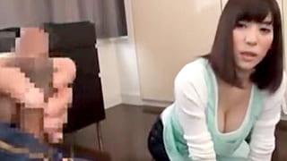 巨乳の痴女に勃起したチンポを見せたらセックス出来たエロ動画