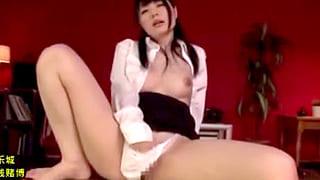 美少女で巨乳の秘書がフェラやパイズリでご奉仕するエロ動画