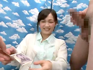 素人で主婦の人妻にお金で釣ってフェラや素股をさせるエロ動画