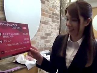 人妻の上司と後輩という素人2人のセックス隠し撮りしたエロ動画