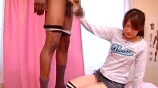 抜き無しエステ店でセラピストが黒人にフェラ強要されるエロ動画
