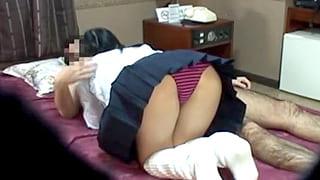 援交で女子高生に小遣いあげてセックスする隠し撮りのエロ動画