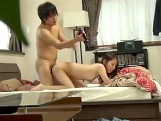 素人のカップルがプライベートでSEXしてる隠し撮りのエロ動画