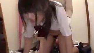 玄関で制服着た可愛いJKの女子を襲いフェラ強要してレイプする動画