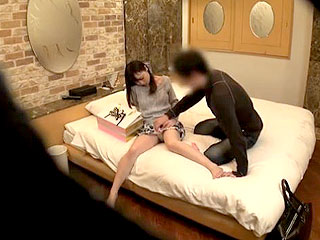 素人JDがラブホで友達の彼氏を寝取り連発で中出しSEXする隠し撮り