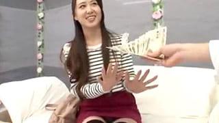 素人で10代の女学生をお金で釣って騙していきなりSEXする動画