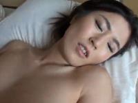 不倫妻がパイパンになって初めて出会う男と浮気するエロ動画