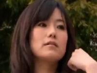 人妻の友人を騙し不倫チンポでハメては寝取る熟女のエロ動画
