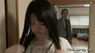 息子の嫁と同居する妄想義父が嫁を寝取るヘンリー塚本動画