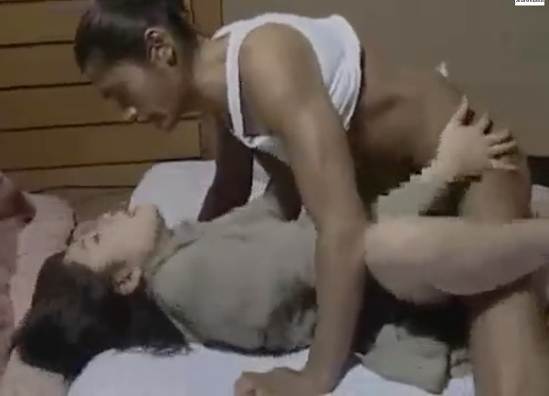 【淫乱女】近所に住む若者が会社社長の愛人を狙い押し倒すも彼の強引さに心許し自らマンコをに誘う浮気情事|おなコレ★シコれるアダルト動画