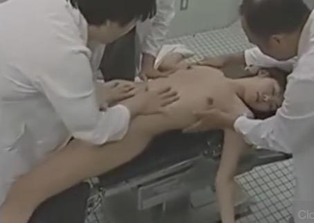 女を襲いガス室で眠らせレイプ輪姦し捲る医師!ヘンリー塚本