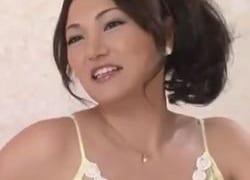 50代の熟女が下着モデル撮影と騙しエッチまでされたバックSEX動画