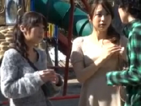 熟女2人をナンパしセンズリ鑑賞から4Pに!熟女エロ動画