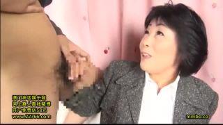50代人妻をナンパし謝礼を増やすとにんまり恵比須顔でSEX