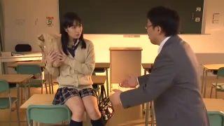 美少女JKが担任チンポに跨り激腰振り騎乗位痴女SEXエロ動画