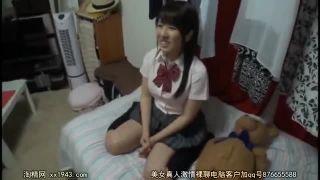 童顔ぽっちゃり巨乳素人ギャルがJK制服に着替えて激揺れSEXしてるエロ動画