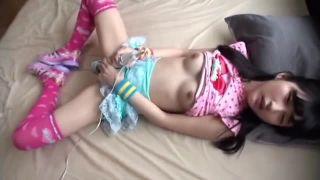 マジ子供みたいなJC娘に子供服着せてハメ撮りSEXした個人撮影エロ動画
