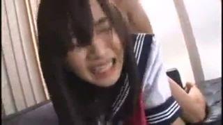 目隠しされたセーラー服JKが強烈ピストンで犯されるレイプ動画