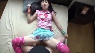 子供服が凄く似合う神ロリ黒髪少女との援交SEXを個人撮影したエロ動画