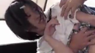 鬼畜イラマチオレイプで可愛い顔に次々ぶっかけられる制服JK顔射エロ動画