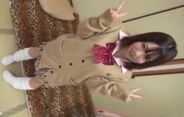 【ビッチJKにお仕置きw】援交経験100回以上という今時ルーズソックスのビッチJKをハメ撮り3Pで…|おなコレ★シコれるアダルト動画