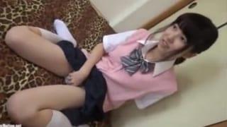 超可愛い制服美乳JKと援交SEXした個撮エロ動画