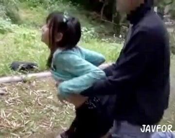 【美少女レイプ動画】一人ぼっちで帰宅する美少女に狙いを定め犯しまくる鬼畜レイプ集団投稿映像|おなコレ★シコれるアダルト動画