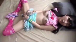 ガチロリJC娘が電マオナニーしながらフェラチオもする激エロ動画