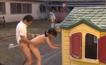 【JCレイプ動画】大勢の未成年者が保護されている施設内でJC美少女が全裸でパコられている仰天映像だぁー|おなコレ★シコれるアダルト動画