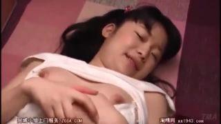 ロリ顔からは想像出来ないスケベ美少女がチンポ手招き立ちバックのスマホハメ撮りSEX動画