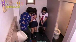 可愛らしい制服JKがトイレ立ちバック激パコでアヘ顔連発ww逆3PのハーレムSEXだぁー|おなコレ★シコれるアダルト動画
