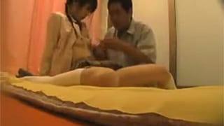 素人投稿でJKリフレで三つ編み美少女JKと中出しSEX盗撮エロ動画