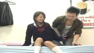 カワイイ美巨乳JK部屋連れ込みヤラしい顔して腰を振るドスケベ娘の盗撮動画